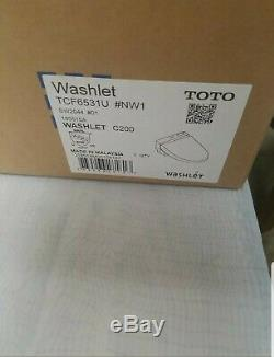 Toto SW2044#01 C200 Toilet Seat with Lid and Washlet open box